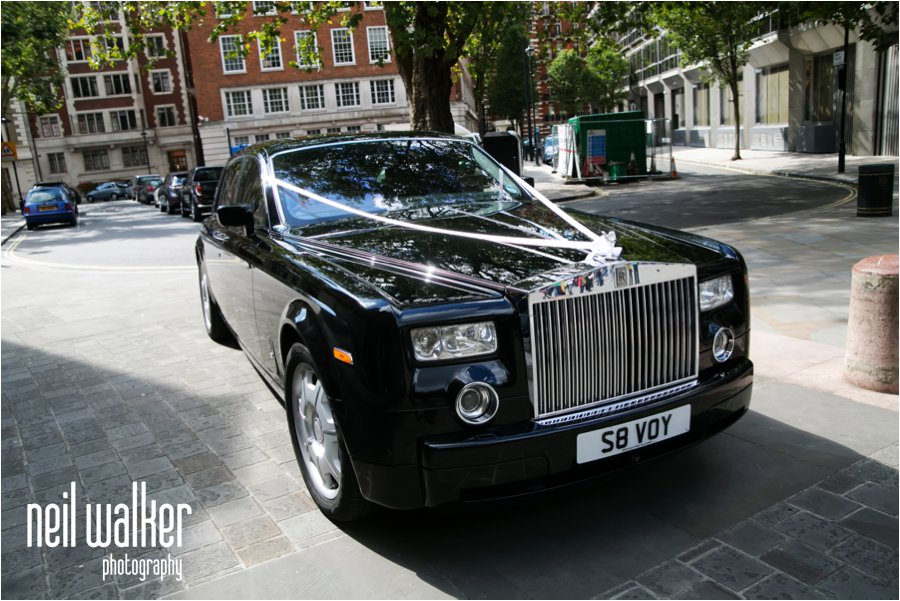 A wedding Rolls Royce in London