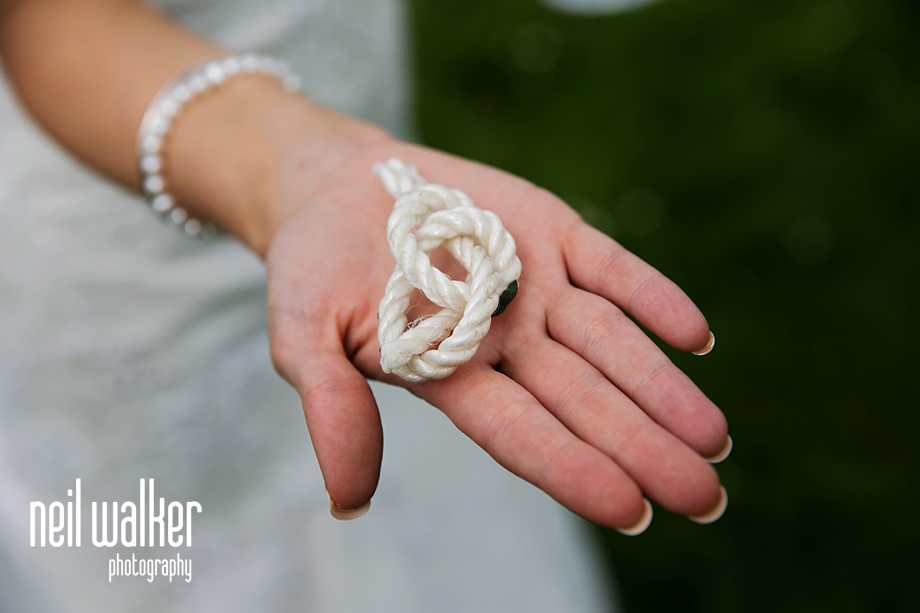 the bride with a wedding knot