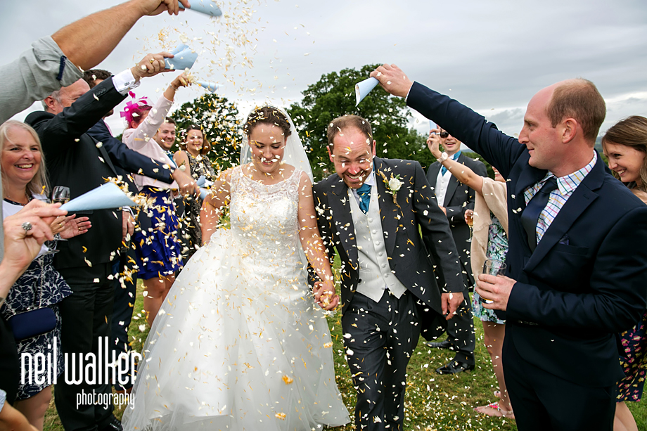 bride & groom confetti